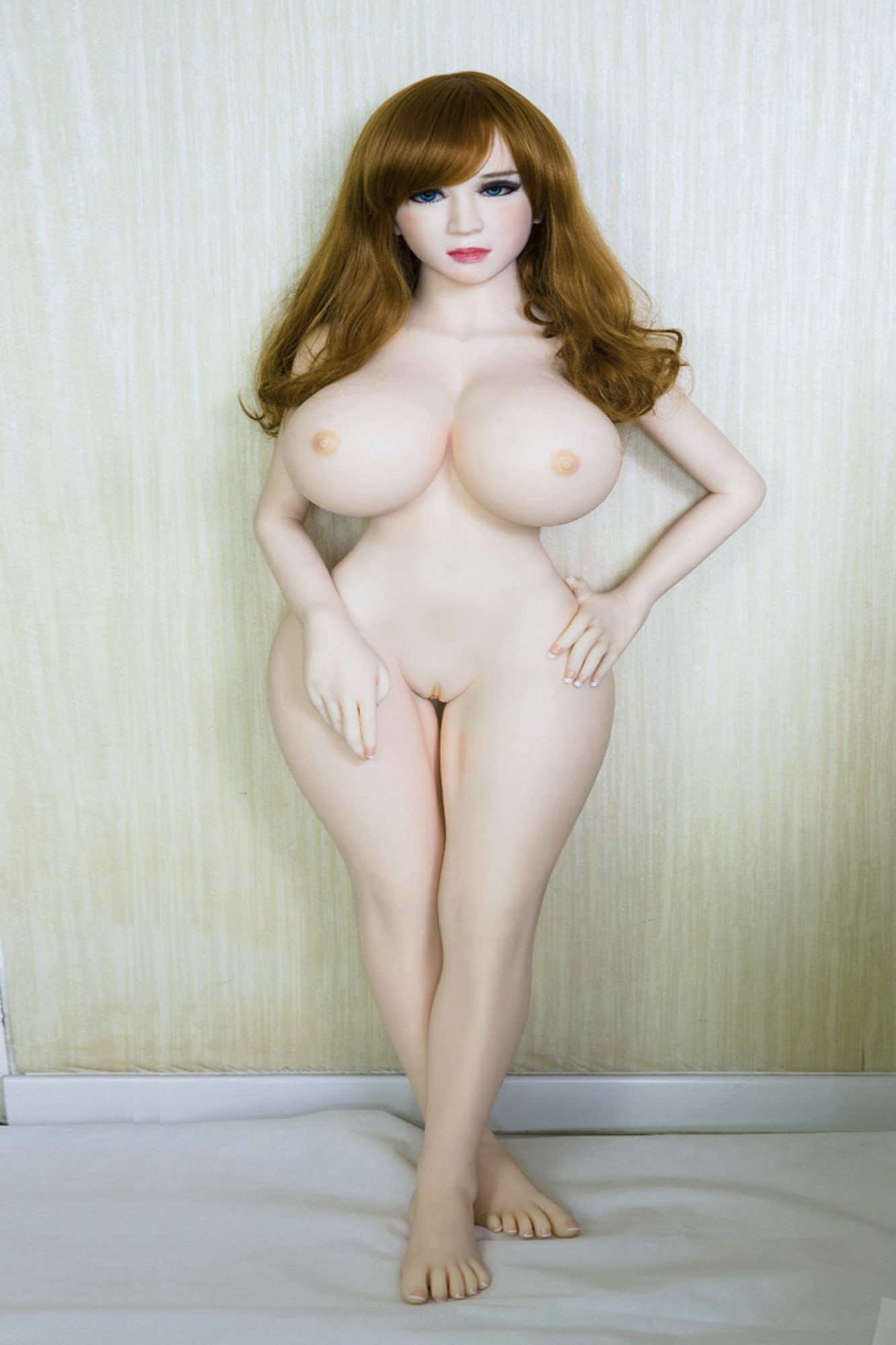 128cm Big Breasts